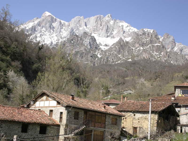 rutas de senderismo picos de europa liebana mineria